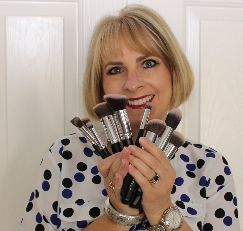 You Need These MakeupBrushes